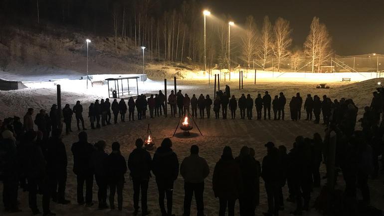Bilde fra båltenning på  campus Bø