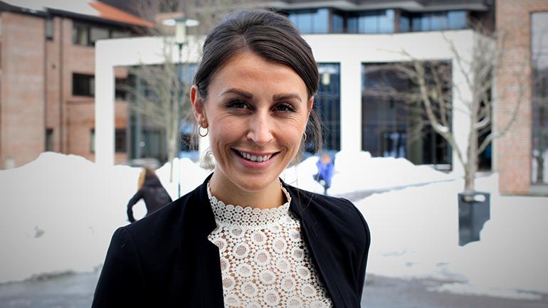 Tori Fremmerlid ved BN-bolig om eiendomsmegleryrket og bachelor i eiendomsmegling. foto.