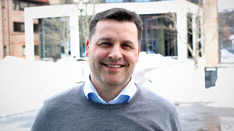 Henrik Tangen ved Krogsveen Bamble om eiendomsmegleryrket. foto.