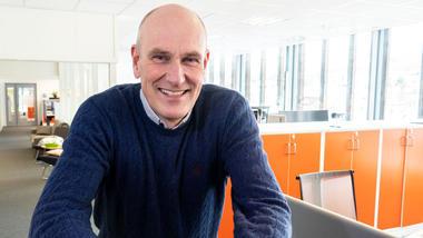 Geir Øystein Andersen tar Executive Master of Management på USN Handelshøyskolen. Foto av ham
