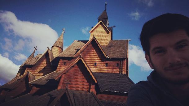Mihailo foran en norsk stavkirke