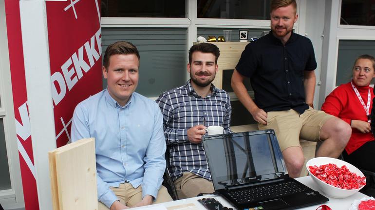 I samarbeid med Veidekke har disse ingeniørstudentene på byggdesign stor tro på bruk av massivt tre i byggebransjen. F.v.Magnus Eriksen, Kristoffer Dyvik Løksli og Simen Bjørnebo. Foto