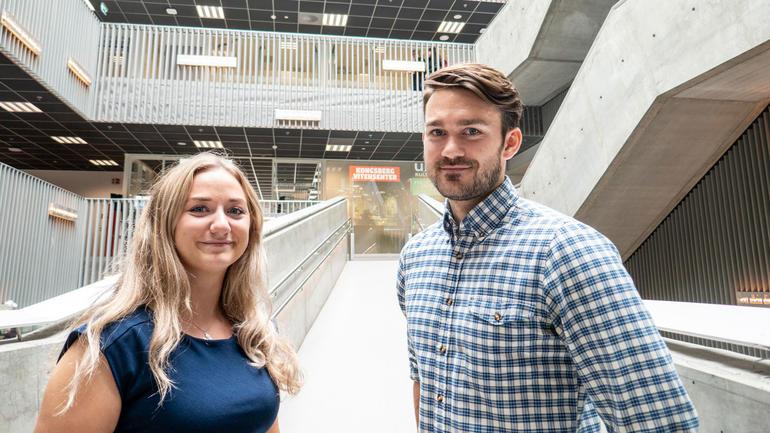 Malin Guntveit og Runar Tunheim Aarsheim var ferdig med masterne sine i juni 2019, og har jobbet tett på industrien. Foto av dem.
