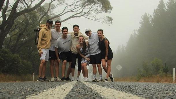 Tommy med venner fra utvekslingen i Australia