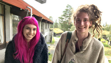 Studentane Mira Dickie og Archie Pheby-McGurle. Foto