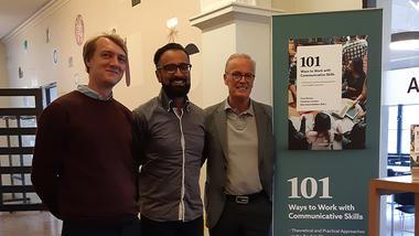 Førsteamanuensis Christian Carlsen, professor Tony Burner og dosent emeritus Kåre Kverndokken. foto.