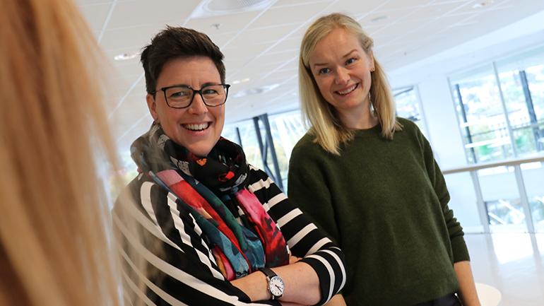 Petra Røise og Anne Torbjørg Raastad-Hoel på USN campus Drammen. foto.
