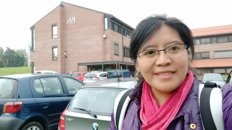 Barbara in front of the USN building in Bø