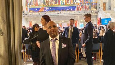 Førsteamanuensis Shegaw A. Mengiste møtte Etiopias statsminister Abiy Ahmed  Ali under fredsprisseremonien 10. desember.