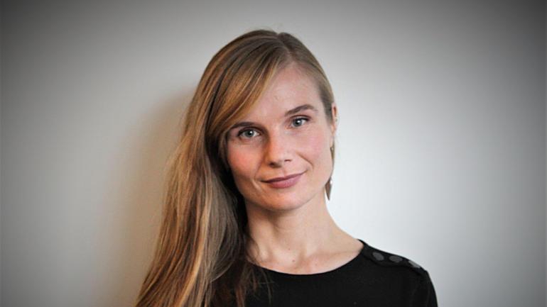 Guro Fløgstad er førsteamanuensis ved Institutt for språk og litteratur
