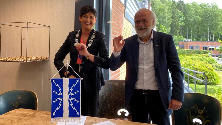 Gry Fuglestveit, ordfører i Notodden kommune, og Petter Aasen, rektor ved USN