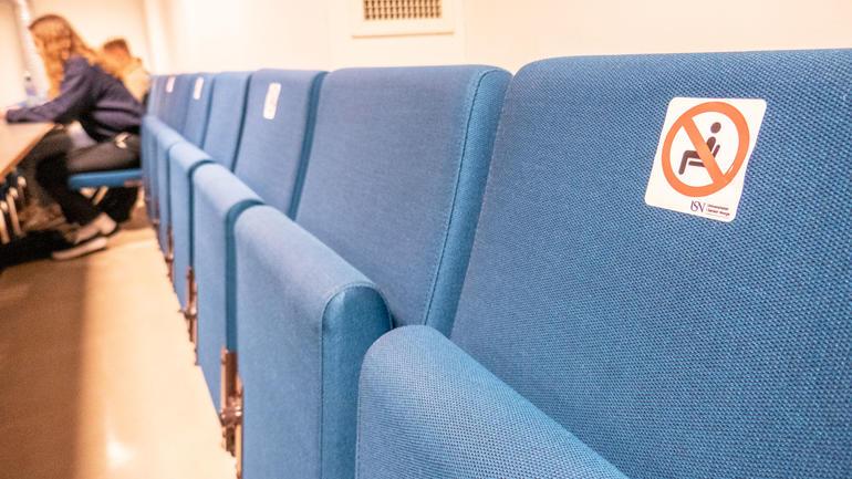 Korona-restriksjoner i auditoriene på USN