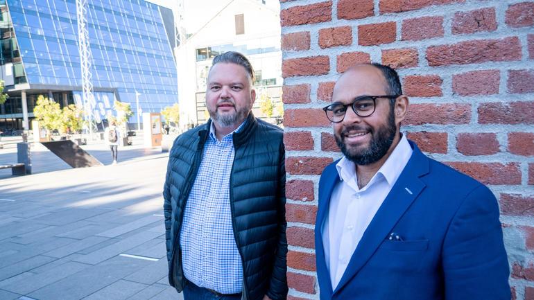 F.v:  Bjørn Arstad og Adnan Afzal tok master i innovasjon og ledelse på USN Handelshøyskolen våren 2020. Foto