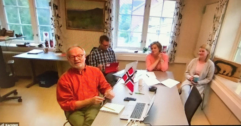 God stemning på rådmannskontoret i Ål, ved kick off for desentralisert sykepleierutdanning. Gruppebilde