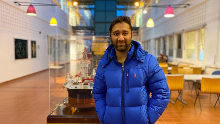 Asim Noor har tatt master i mikro- og nanosystemteknologi på USN. Foto