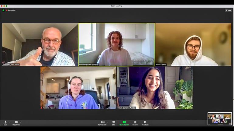 Avgangsstudenter i visuell kommunikasjon har gjennomført to intense seminar-uker med forberedelser til arbeidslivet. Skjermdump fra Zoom