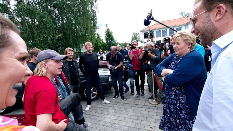 ERna Solberg & Co i samtale med Rådebank-skuespillere