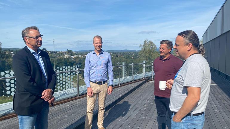 Lokale IT-ledere møtes på campus Ringerike.F.v: Joar Løhre (ECIT Solutions AS), Knut Sælid  (Kartverket), Ole Wormdal (Tudu), Torkjell Dahl (Ringerike kommune).