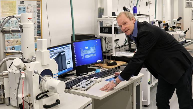 Ole Henrik Gusland er laboratoriesjef ved USN