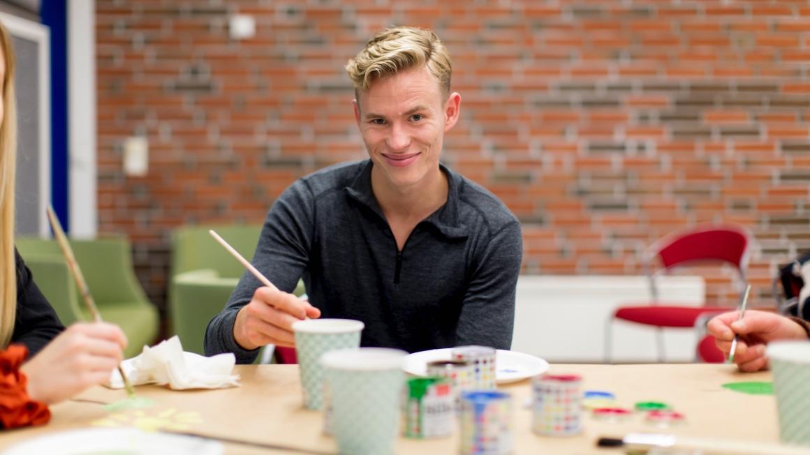 Daniel Lauritzen studerer bachelor i vernepleie