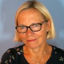 Sissel Rønningsland som svarer på forskjellen mellom lærer og lektor