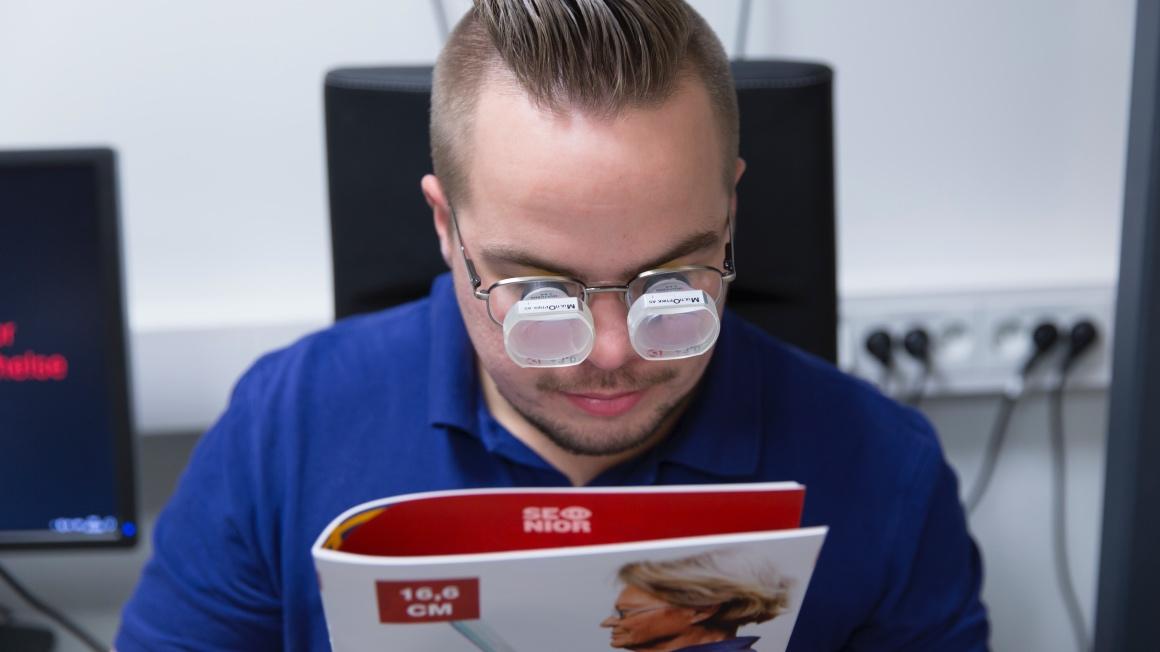 En pasient innen synsrehabilitering og synspedagogikk