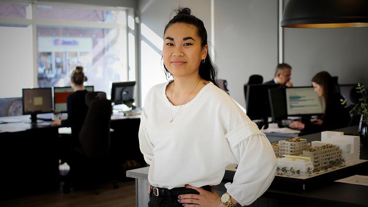 Eiendomsmeglerstudent: Hanna Kollevold studerer eiendomsmegling ved USN og har praksis hos Eie Eiendomsmegling Asker.