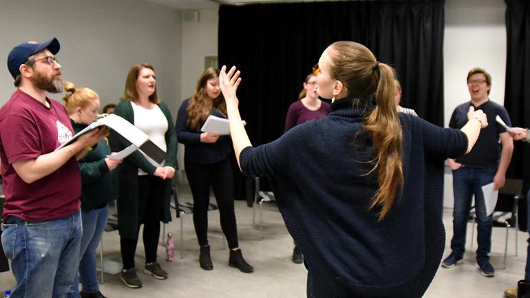 Studentkoret i Drammen øver. foto.