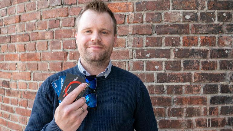 Hvor smart er egentlig kredittkort? Siviløkonom André Opsahl gir gode råd om studentøkonomi. Foto av ham.
