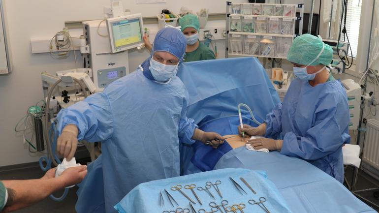 studenter i operasjonssykepleie