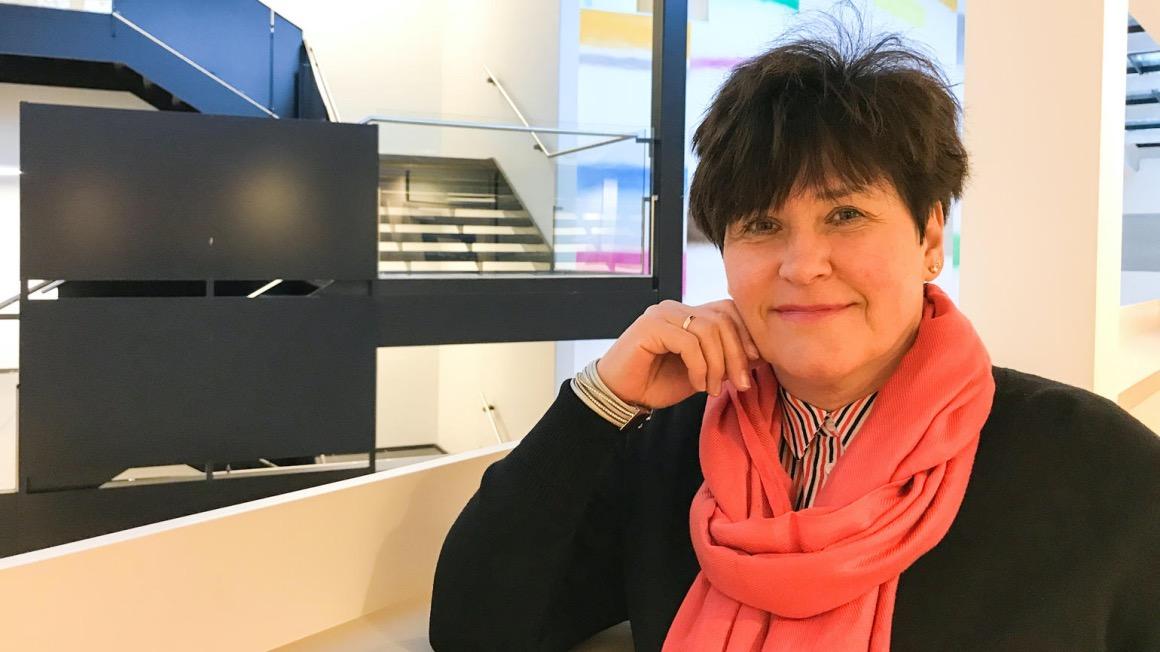 Ramona Lorentzen forklarer forskjellen på en vernepleier og barnevernsbedagog