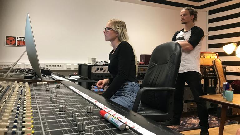 bluesstudenter i studio