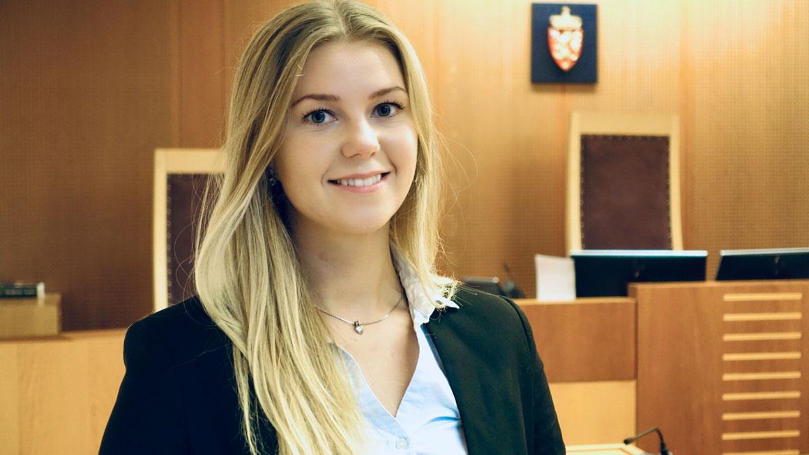Aurora Hellandsjø Lysne er den yngste som noen gang har fått lederjobb i landets største domstol, Oslo tingrett.