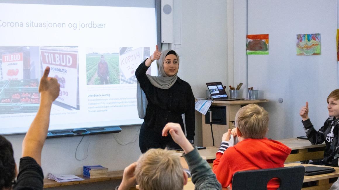 Lærerstudent Maya skal jobbe på ungdomsstrinnet